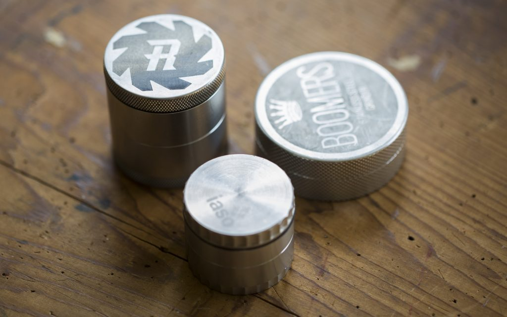 Gifts for joint rollers: Top-Shelf Grinder
