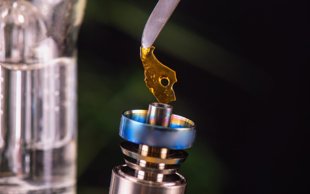 How to Set Up Your Own Cannabis Dab Station