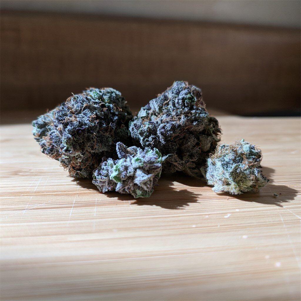 the black cannabis strain